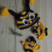 Работы для детей, ручной работы. Ярмарка Мастеров - ручная работа Набор вязаный шапка и пинетки Пчелка Зу. Handmade.