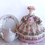 Посуда handmade. Livemaster - original item Doll-hot water bottle on the teapot Young Lady. Linen, pink, beige. Handmade.
