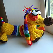 Куклы и игрушки ручной работы. Ярмарка Мастеров - ручная работа Собачка Такса Радужка - вязаная игрушка. Handmade.