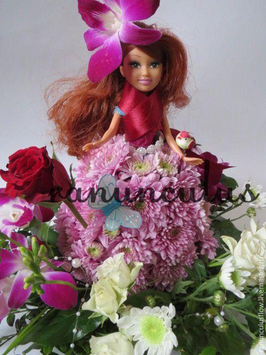 Кукла из живых цветов, Букеты, Москва, Фото №1