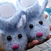 Работы для детей, ручной работы. Ярмарка Мастеров - ручная работа Вязаные пинетки Зайки вязаные сапожки обувь для детей голубые. Handmade.