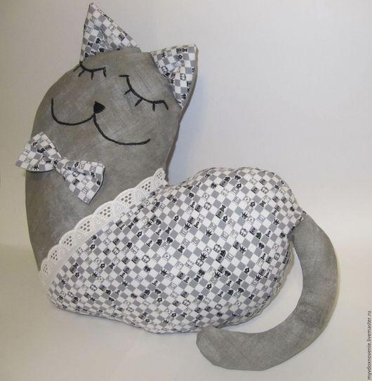 Кот-подушка, подушка-сердечко. Ручная работа.