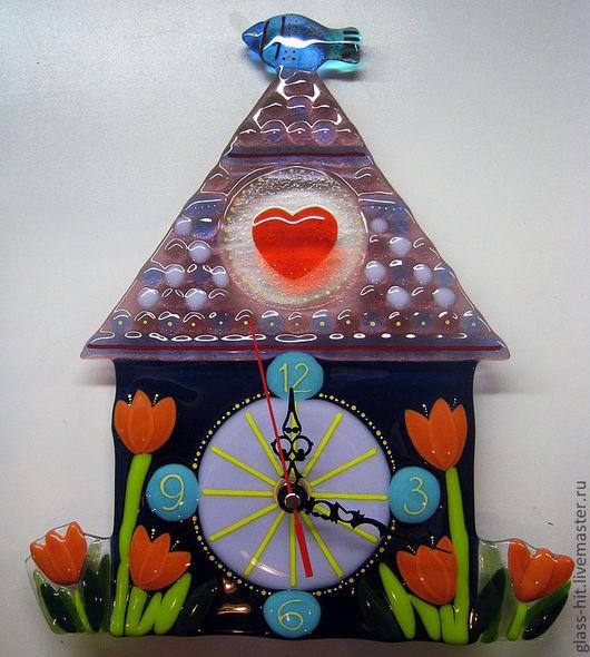 """Часы """" Домик с рыбкой"""". Стекло. Фьюзинг."""