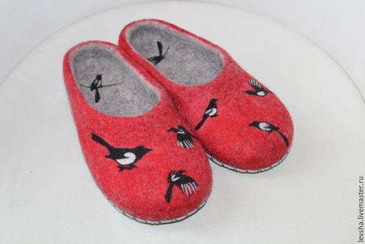 Тапочки валяные. Обувь ручной работы. Шлепки. Ярмарка мастеров. Купить валяные тапочки. Тапочки валяные купить. Тапочки валяные женские. Валяные тапочки. Тапочки валяные из войлока. Валяные тапочки