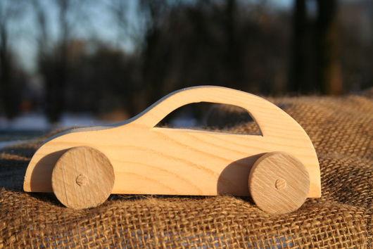 Машинка-каталка легковая, деревянная игрушка ручной работы