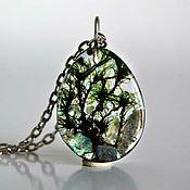 Украшения handmade. Livemaster - original item Pendant with Labradorite and moss in epoxy resin. Handmade.