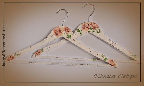 """Прихожая ручной работы. Ярмарка Мастеров - ручная работа. Купить Вешалка  - плечики для одежды  """"Розы"""". Handmade. Вешалка, подарок девушке"""