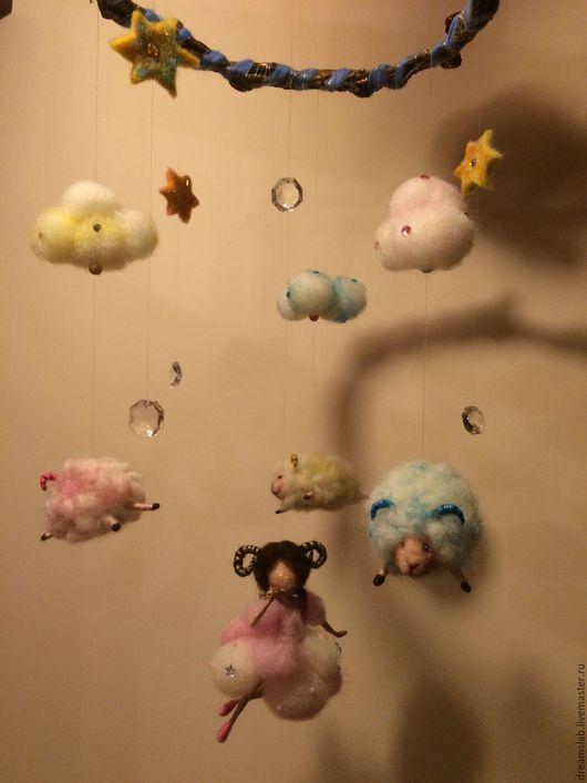 Подвески ручной работы. Ярмарка Мастеров - ручная работа. Купить Валяние Подвеска в детскую комнату. Handmade. Комбинированный, детская комната