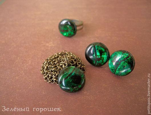 комплект из полимерной глины, кулон, кольцо,серьги, зеленый комплект,зеленый кулон, зеленое кольцо, перламутр, эпоксидная смола, красивое украшение, украшение ручной работы
