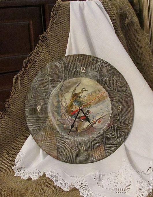 """Часы для дома ручной работы. Ярмарка Мастеров - ручная работа. Купить Часы """"Утиная охота"""". Handmade. Коричневый, охота, дерево"""
