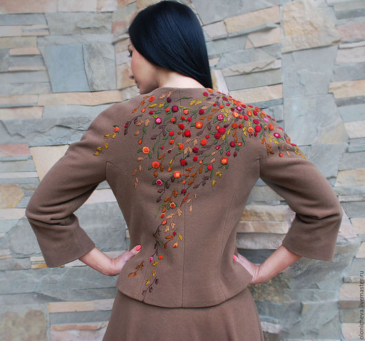 Женский костюм из кашемира