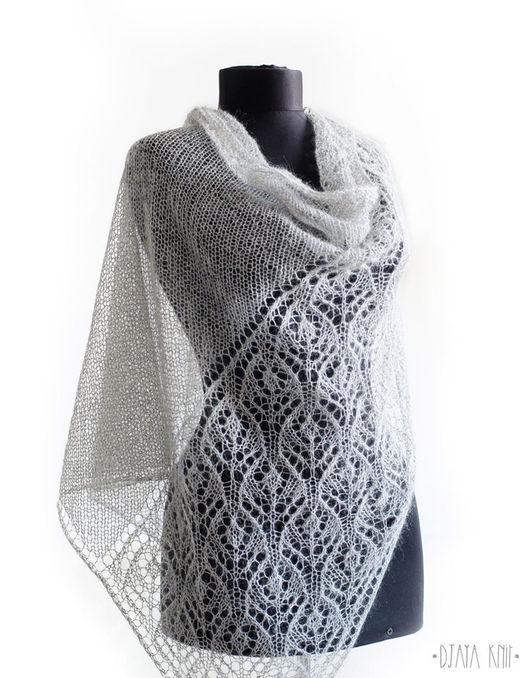 Шали, палантины ручной работы. Ярмарка Мастеров - ручная работа. Купить Светло-серая шаль с натуральным шелком. Handmade.