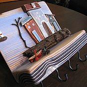 """Ключницы ручной работы. Ярмарка Мастеров - ручная работа Настенная деревянная ключница """"Трое у лодки, не считая маяка"""".. Handmade."""