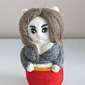 Куклы и игрушки ручной работы. Ярмарка Мастеров - ручная работа Женщина-кошка (скульптура из шерсти). Handmade.
