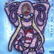 Украшения ручной работы. Ярмарка Мастеров - ручная работа Индийский слон: вышитый бисером кулон с натуральной яшмой. Handmade.