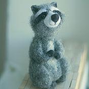 Куклы и игрушки ручной работы. Ярмарка Мастеров - ручная работа Игрушка из шерсти Енот Сэм. Handmade.
