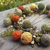 Украшения handmade. Livemaster - original item Bracelet on a Chain colors of Autumn with Textile Beads Green Red. Handmade.