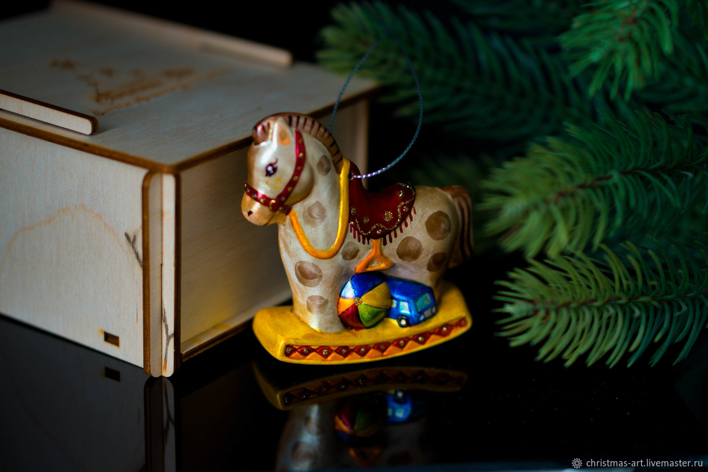 Елочная игрушка Новогодняя фарфоровая елочная игрушка лошадка качалка, Елочные игрушки, Москва,  Фото №1