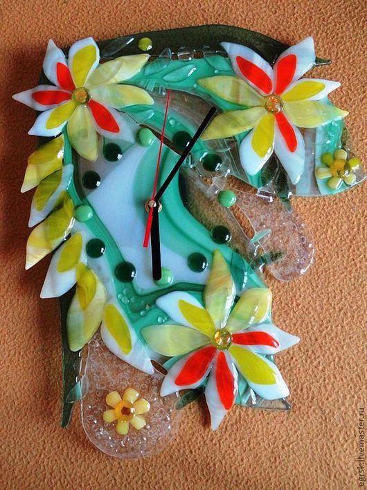 """Часы для дома ручной работы. Ярмарка Мастеров - ручная работа. Купить Часы """"Дождевой лес"""". Handmade. Фьюзинг, часы стеклянные"""