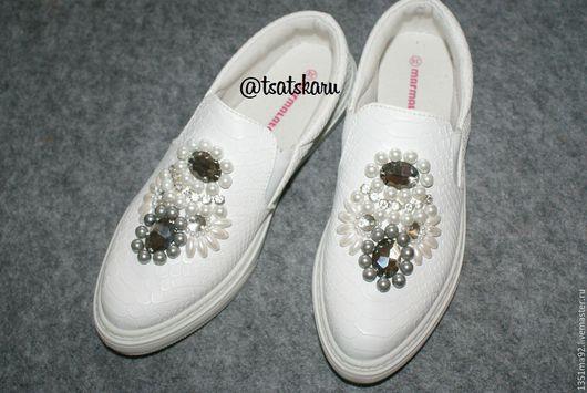 """Обувь ручной работы. Ярмарка Мастеров - ручная работа. Купить Слипоны с вышивкой """"Жемчуг"""". Handmade. Слипоны, обувь с вышивкой, слипоны"""