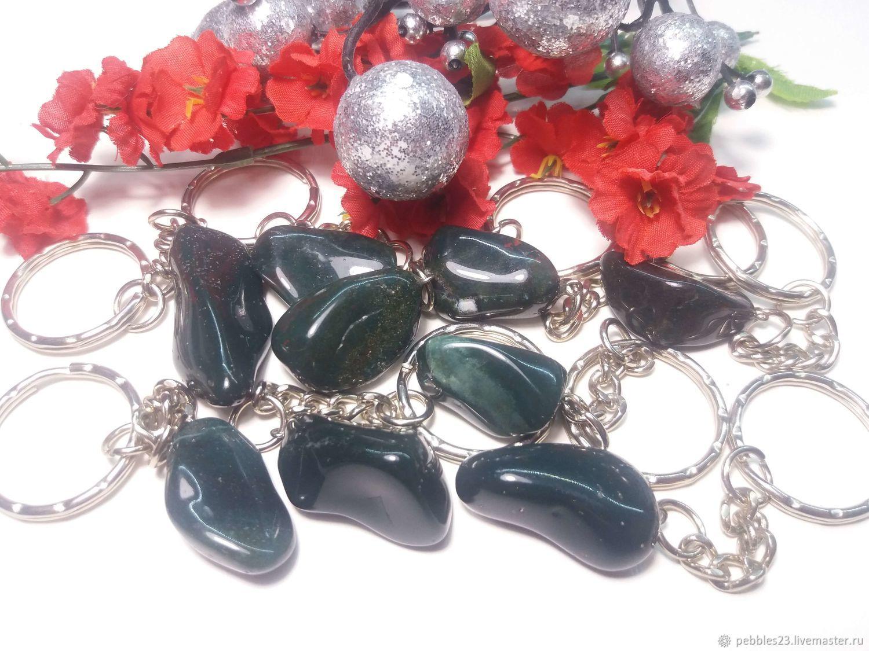 Брелок для ключей из Гелиотропа, натуральный камень