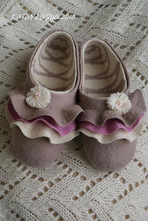 """Обувь ручной работы. Ярмарка Мастеров - ручная работа. Купить тапочки """"Мороженое ПРАЛИНЕ"""". Handmade. Шерсть"""