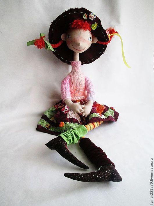 Кукла изготовлена по авторской выкройке Елены Войнатовской    Грустно не может быть вечно, Вечно не может быть грустно. С девочкой сказочной встреча –  Вот что от грусти нам нужно. Пеппи – смеш