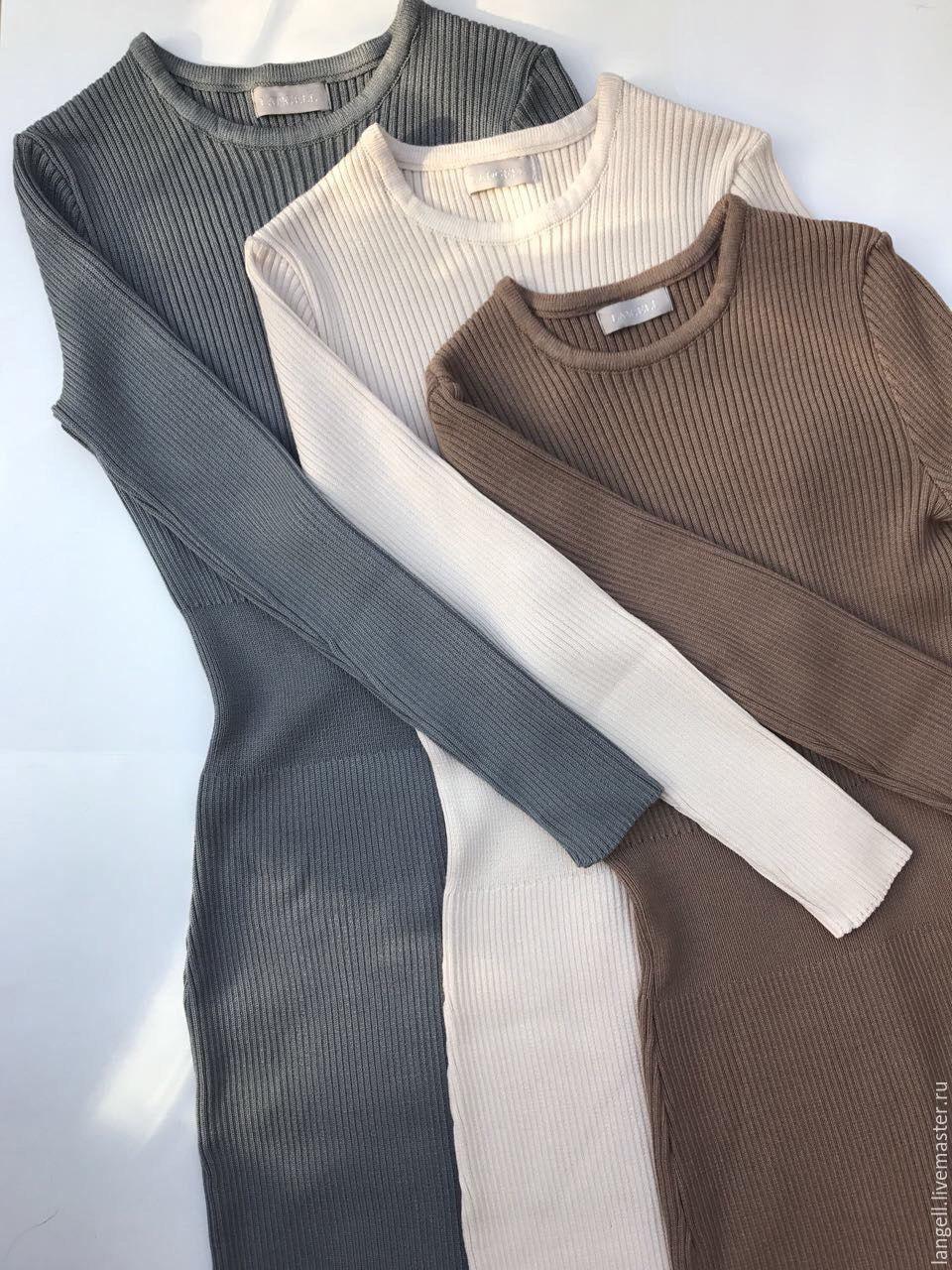 Вязаное платье на резинке