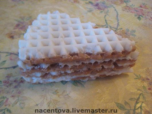 """Мыло ручной работы. Ярмарка Мастеров - ручная работа. Купить Мыло """"Вафельный торт"""". Handmade. Мыльная основа, красители пищевые"""