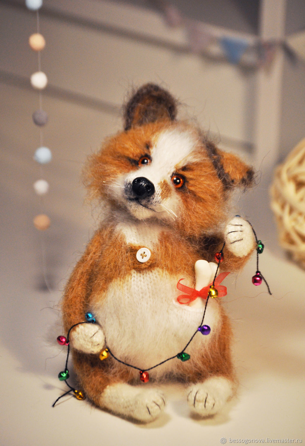 Author's crochet toy CHRISTMAS MOOD Growth sitting approx. 19cm Dog has spokes and a hook made of natural mohair and wool. Glass eyes. Inside the copper wire frame