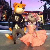 Куклы и игрушки ручной работы. Ярмарка Мастеров - ручная работа Свадебные фигурки лис и мышка войлочные. Handmade.