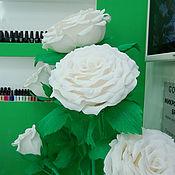 Цветы и флористика ручной работы. Ярмарка Мастеров - ручная работа Белые ростовые розы из бумаги. Handmade.