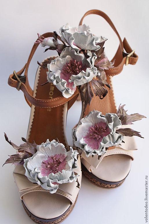 Комплекты украшений ручной работы. Ярмарка Мастеров - ручная работа. Купить Клипсы для обуви из кожи. Handmade. Белый, шиповник, микробисер