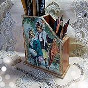 Карандашницы ручной работы. Ярмарка Мастеров - ручная работа Подставка деревянная для карандашей двойная  Детство. Handmade.