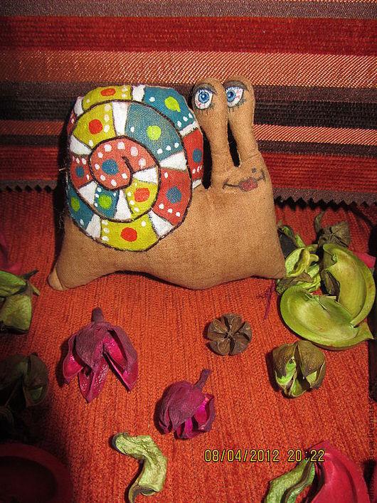 """Куклы Тильды ручной работы. Ярмарка Мастеров - ручная работа. Купить Улитка """"Дама"""". Handmade. Краски по ткани, текстильная игрушка"""