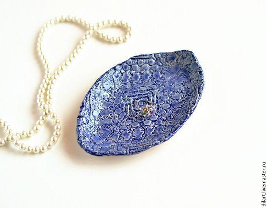 Тарелки ручной работы. Ярмарка Мастеров - ручная работа. Купить Синяя тарелка ручной лепки Лодочка, плыви. Подарок женщине. Handmade.