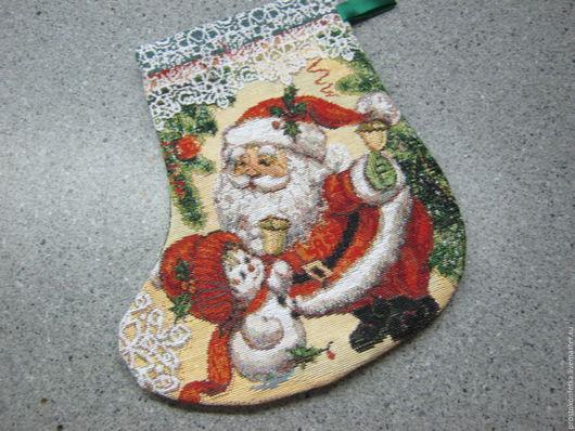 Подарочная сумка для новогоднего подарка - башмак. Выполнена из нарядного гобелена Павловско-Посадской гобеленовой мануфактуры.