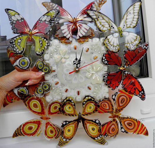 """Часы для дома ручной работы. Ярмарка Мастеров - ручная работа. Купить Часы настенные """"Эффект бабочки"""".Стекло.Фьюзинг.. Handmade."""