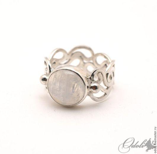 Кольца ручной работы. Ярмарка Мастеров - ручная работа. Купить Серебряное кольцо с лунным камнем Серебряный ажур. Handmade. Серебряный