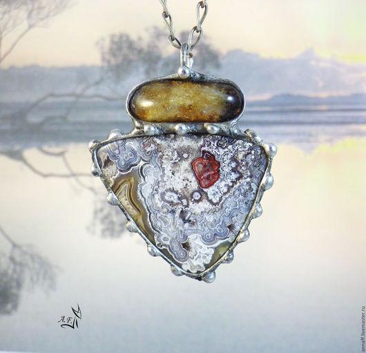 """Кулоны, подвески ручной работы. Ярмарка Мастеров - ручная работа. Купить """"Сердце камня"""" - кулон с агатом и цитрином. Handmade. Серый"""