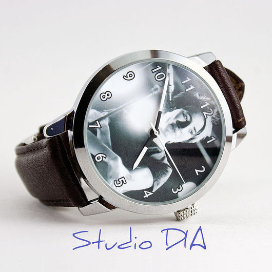 Часы Под Заказ - Земфира. \r\nЧасы с индивидуальным дизайном под заказ.\r\nСтудия Дизайнерских Часов DIA.
