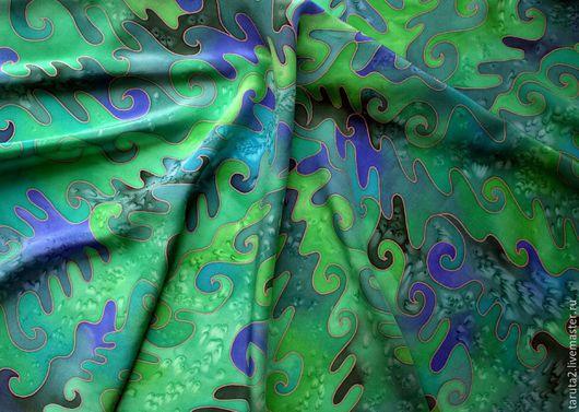 Платок батик `Изумрудные узоры` (фрагмент росписи)