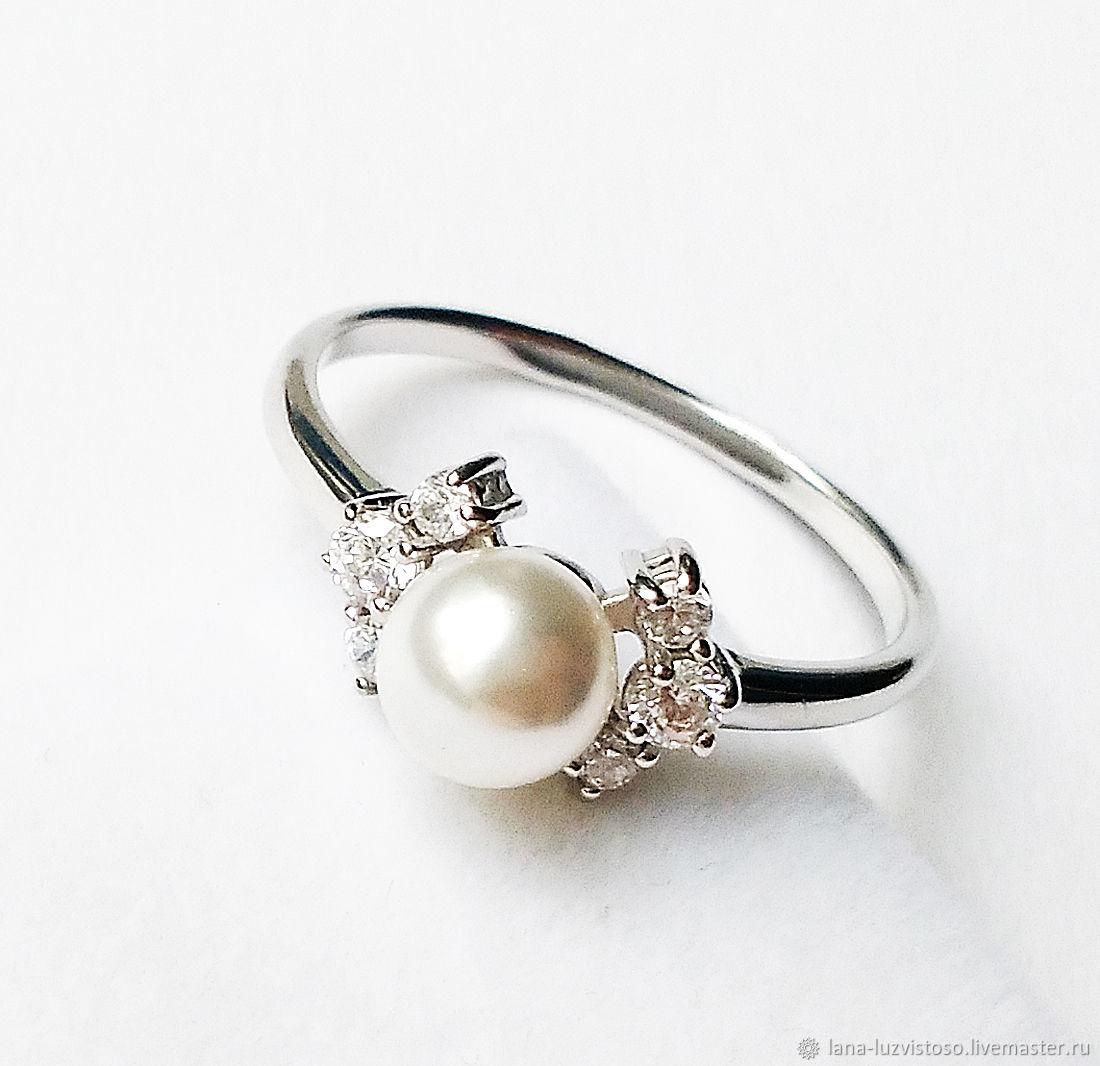 Кольцо из серебра с жемчугом и фианитами №1 (серебро 925 пробы)