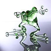 Стеклянная фигурка танцющей лягушки (большая)