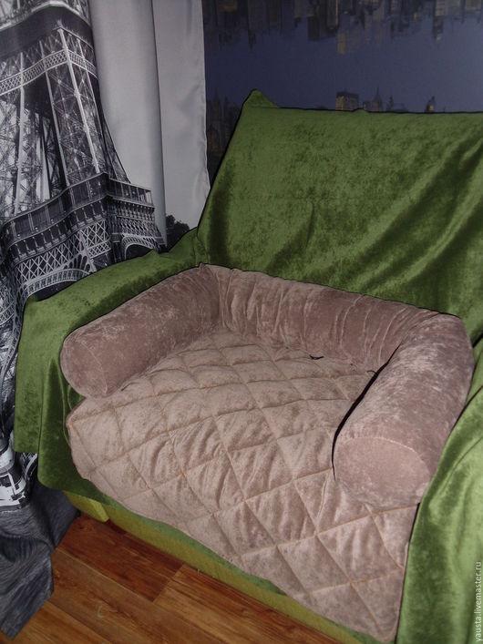 Аксессуары для собак, ручной работы. Ярмарка Мастеров - ручная работа. Купить Лежанка - чехол на кресло, диван, тумбу.. Handmade. Коричневый