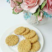 Дизайн и реклама ручной работы. Ярмарка Мастеров - ручная работа Печенье круглое из полимерной глины. Handmade.