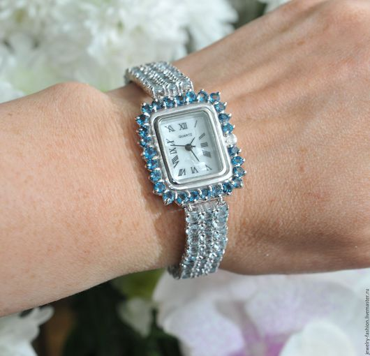 Часы ручной работы. Ярмарка Мастеров - ручная работа. Купить Часы с Лондон Блю топазами, голубыми топазами. Handmade. Голубой