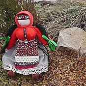 Куклы и игрушки ручной работы. Ярмарка Мастеров - ручная работа Кукла-Оберег Красная Щетка для женского здоровья. Handmade.
