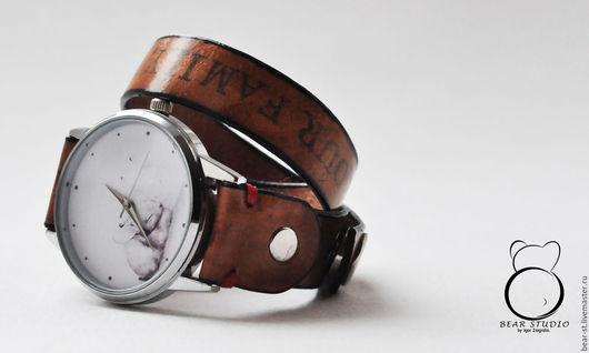 Часы ручной работы. Ярмарка Мастеров - ручная работа. Купить Дизайнерские часы. Handmade. Белый, часы в подарок, дизайнерская одежда