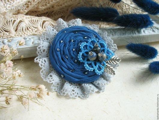 """Броши ручной работы. Ярмарка Мастеров - ручная работа. Купить """"Голубое озеро"""" брошь бохо цветок из ткани синий. Handmade."""